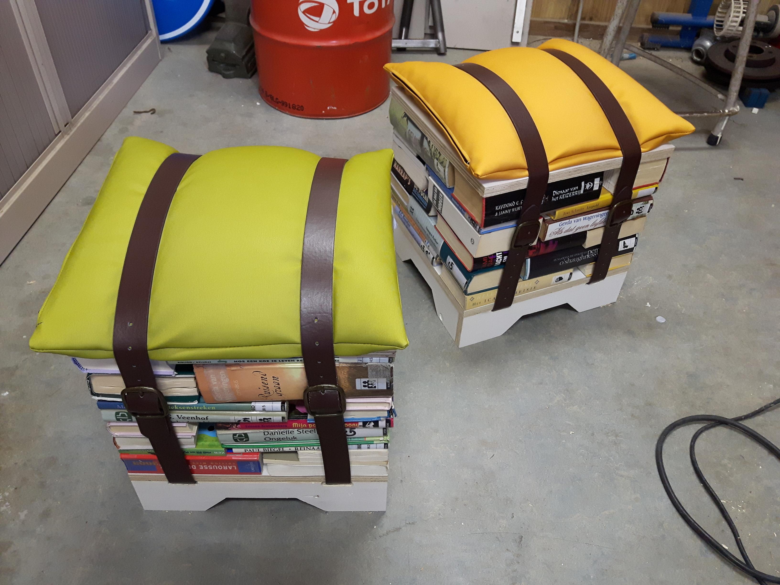 Boekenkrukjes voor ZB|Bibliotheek Vlissingen.